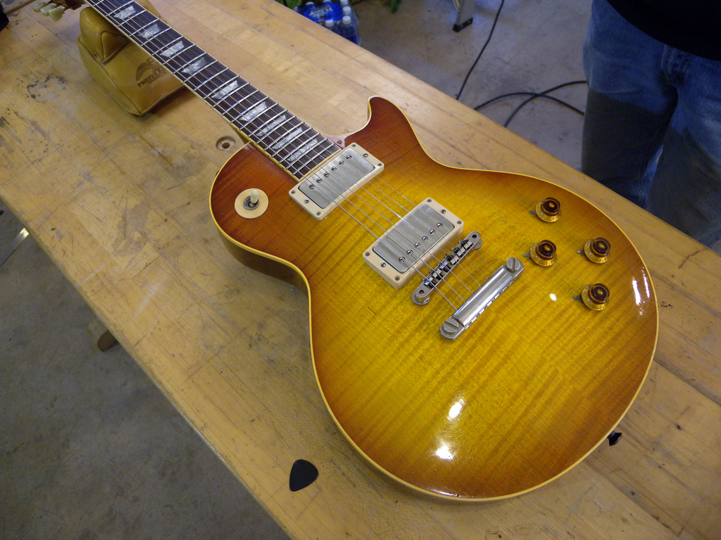 Robben Ford's '99 Les Paul. The curly maple top is glued on to the back; therefore, no need for a face plate.